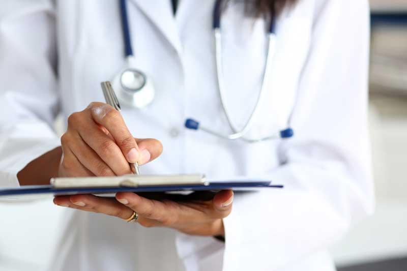 בין חוזה לרשלנות רפואית