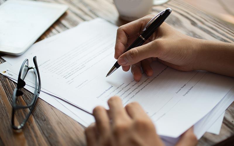למהותם של חוזים: חוזה אחיד, חוזה שכירות דירה וחוזה בעל פה